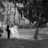 photo lifestyle mariage Paris : couple dans un parc