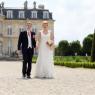 photo des mariés avec le chateau en arrière plan Seine-et-Marne